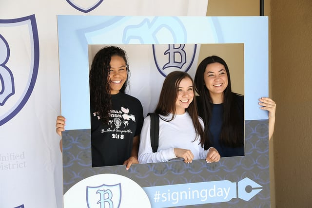 Bullard students signing college pledge